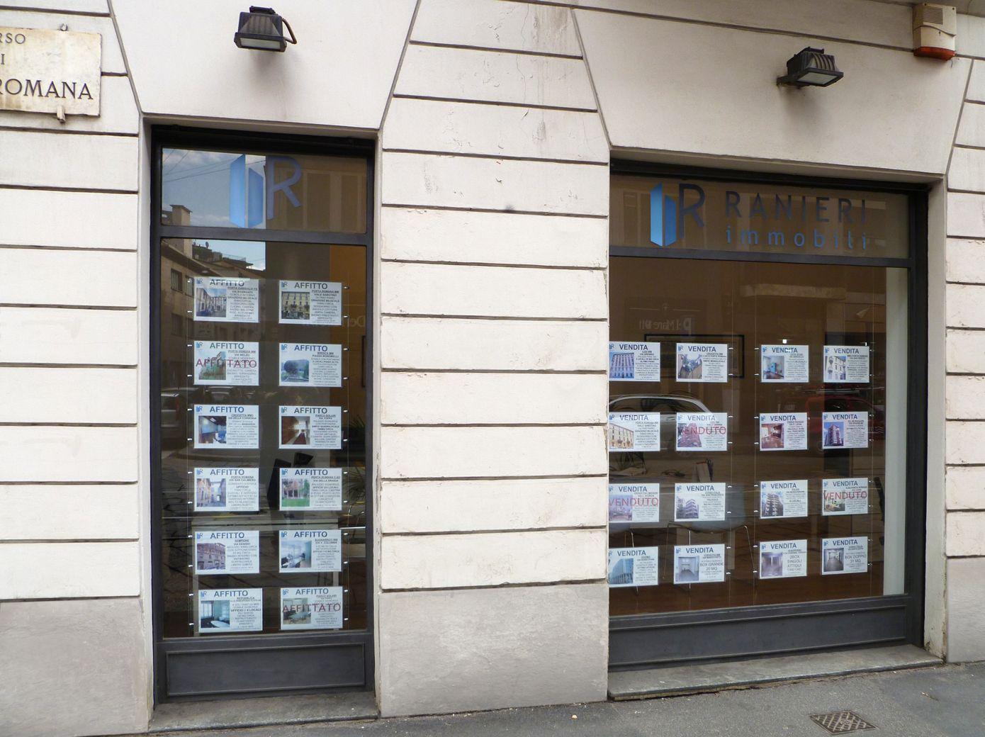 Espositori per agenzie for Arredamento per agenzia immobiliare