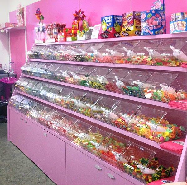esempi-di-negozi-di-caramelle-con-caramelliere-3