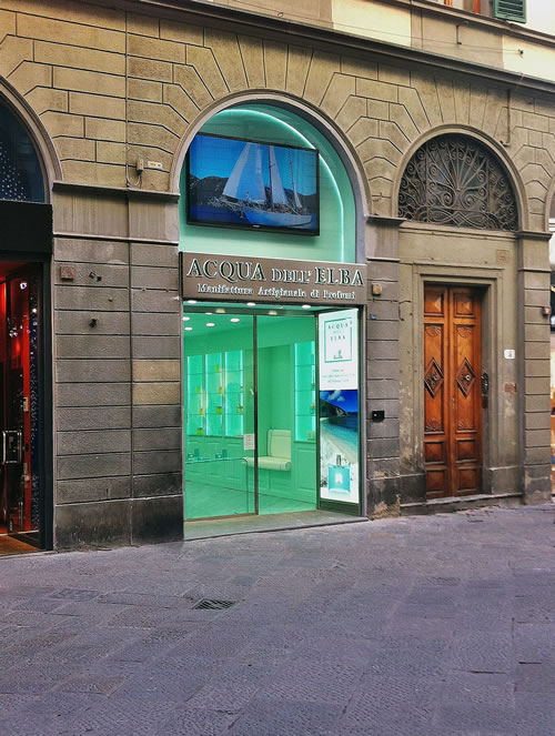 Acqua dell Elba allestimenti vetrine 4