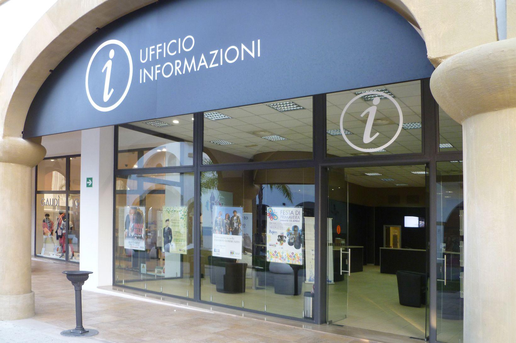 2012-09 FashionDistrict Molfetta WW 001M