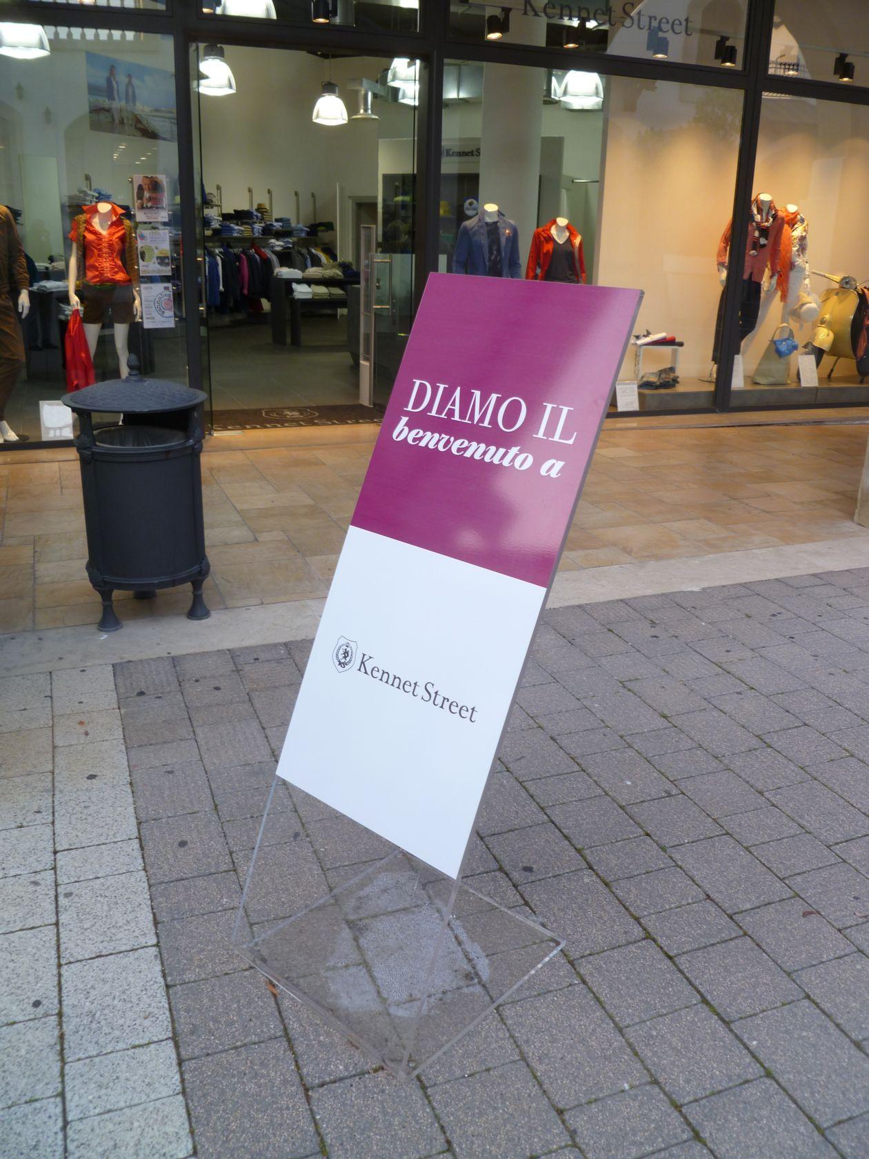 2013-06 FashionDistrict Molfetta Expo-Plex 001